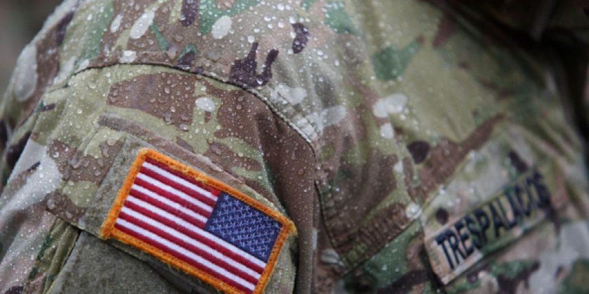 Adolescente conoce al soldado que la salvó de Saddam Hussein