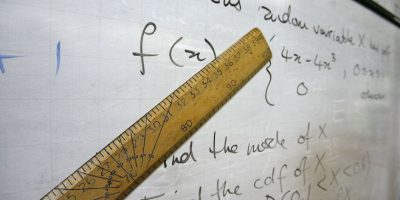 Se especializó en teoría de juegos, geometría diferencial y ecuaciones en derivadas parciales Foto:Getty Images