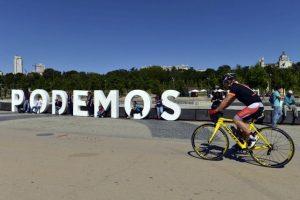 """De acuerdo con Pablo Iglesias, líder de """"Podemos"""", esta elección representa """"el final del bipartidismo"""", además adelantó el triunfo de su partido en las elecciones generales Foto:AFP"""