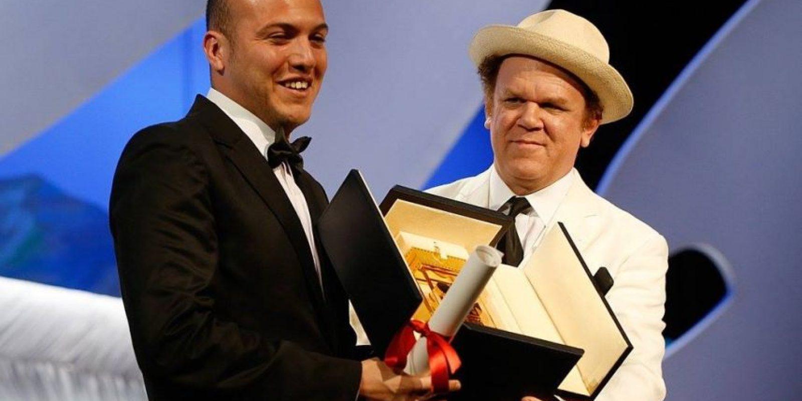 """El colombiano César Augusto ganó la Cámara de Oro por la """"Mejor Ópera Prima"""" con """"La tierra y la sombra"""". Foto:vía facebook.com/Festival-de-Cannes-Page-Officielle"""