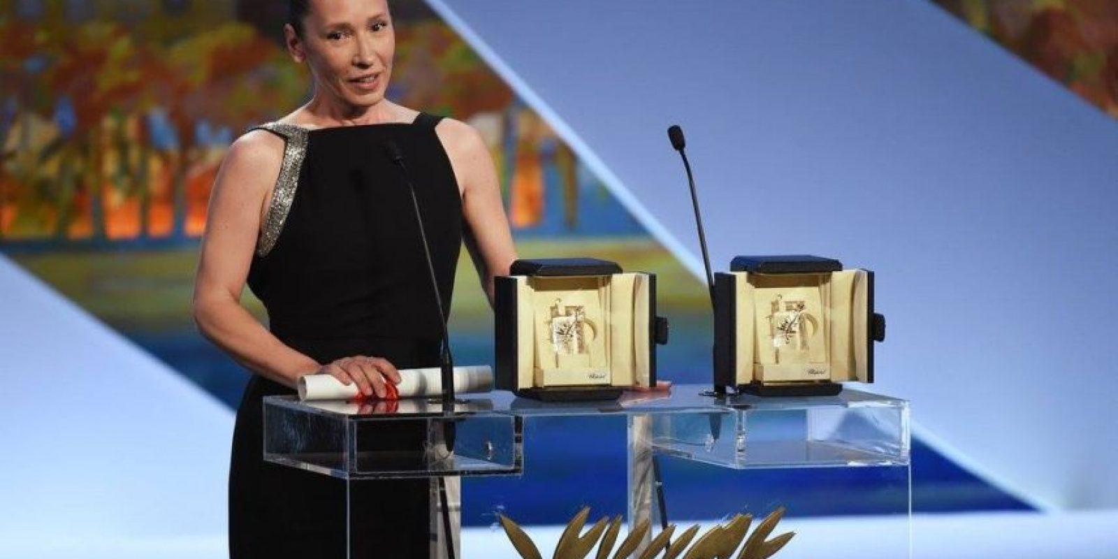 """La actriz francesa Emmanuelle Bercot de la cinta """"Mon roi"""" ganó en la categoría de """"Mejor actriz"""" Foto:vía facebook.com/Festival-de-Cannes-Page-Officielle"""