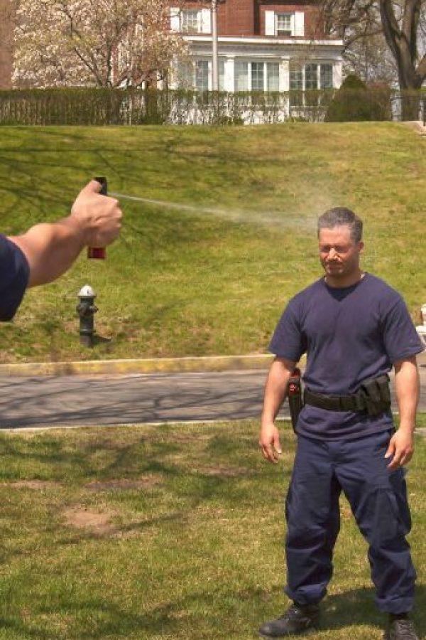 10. Los paramédicos podrían utilizar una solución de agua e hidróxido de aluminio para neutralizar los síntomas Foto:Getty Images