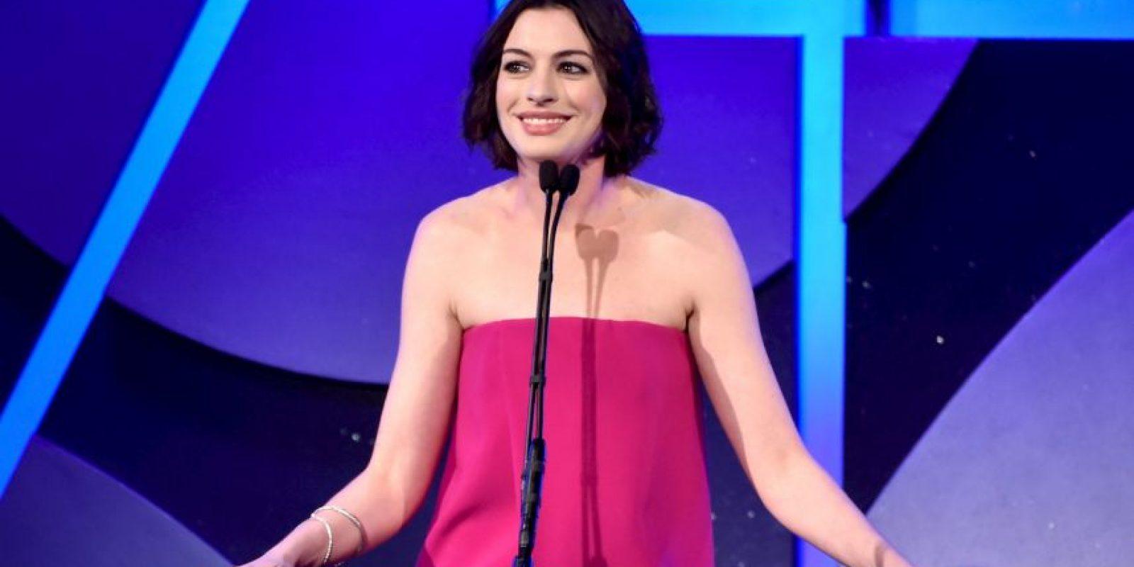 """Hathaway estará acompañada de Robert De Niro en el papel de """"Ben"""", quien será el practicante de """"Jules Foto:Getty Images"""