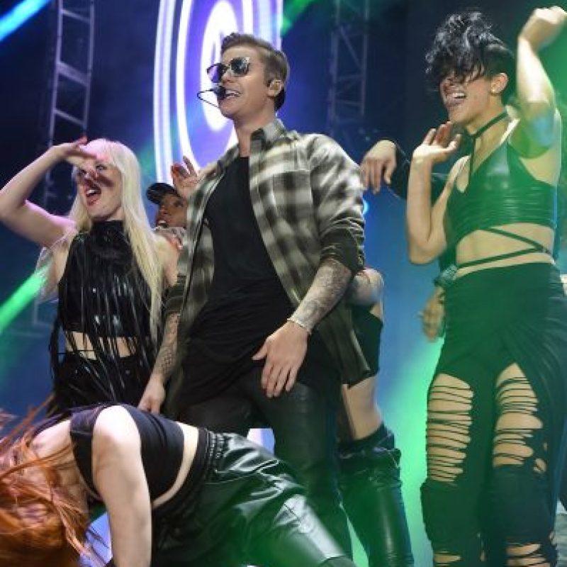 Justin Bieber sorprendió a un grupo de personas que se encontraban en el Hotel W en Hollywood. Foto:Getty Images