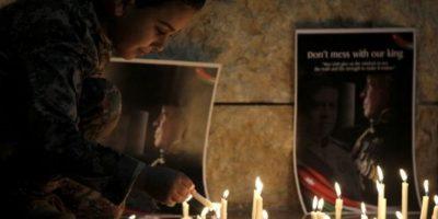 """El 3 de febrero, Estado Islámico publicó un video llamado """"Healing The Believers"""" en el que mostró como quemó vivo al piloto jordano Mu'ath al-Kaseasbeh. Estas imágenes le dieron la vuelta al mundo Foto:AFP"""