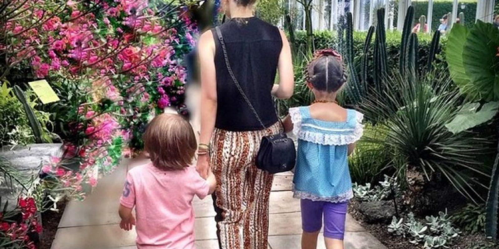 La cantante visitó una exposición de la artista mexicana Frida Kahlo en el jardín botánico del Bronx en Nueva York Foto:Instagram/Thalia