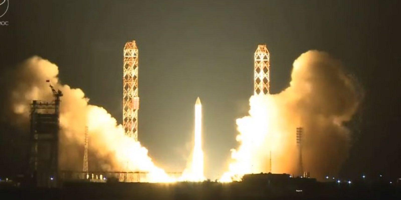 Nuevamente el cohete Protón-M se desintegró en la atmósfera en un segundo intento Foto:YouTube / SpaceVids.tv