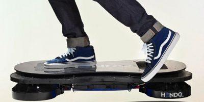Actualmente la empresa Hendo Hoverboard aplicó una tecnología en base a campos magnéticos con la que lograron la levitación de este artefacto Foto:HendoHover