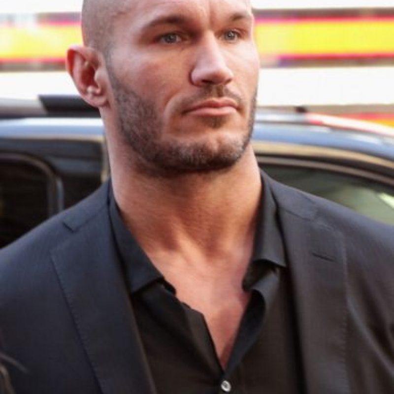 Debutó en la lucha libre profesional en el 2000 y el 2001 firmó un contrato con la WWE. Foto:Getty Images