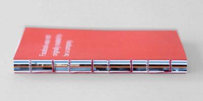 """""""Facebook's Little Red Book"""" es entregado a los nuevo empleados de Facebook. Foto:officeofbenbarry.com"""