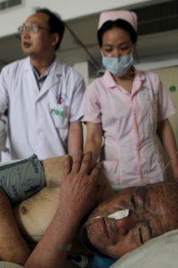 Hasta el momento se sabe que hay seis personas heridas, las cuales fueron llevadas al hospital. Foto:AP