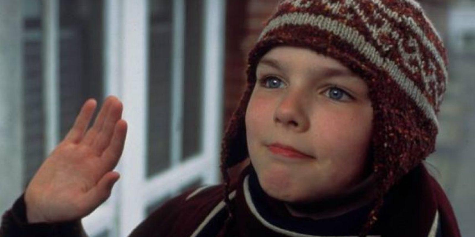 """Nicholas Hoult era el pequeño inadaptado en """"Un gran chico"""". Foto:vía BBC"""
