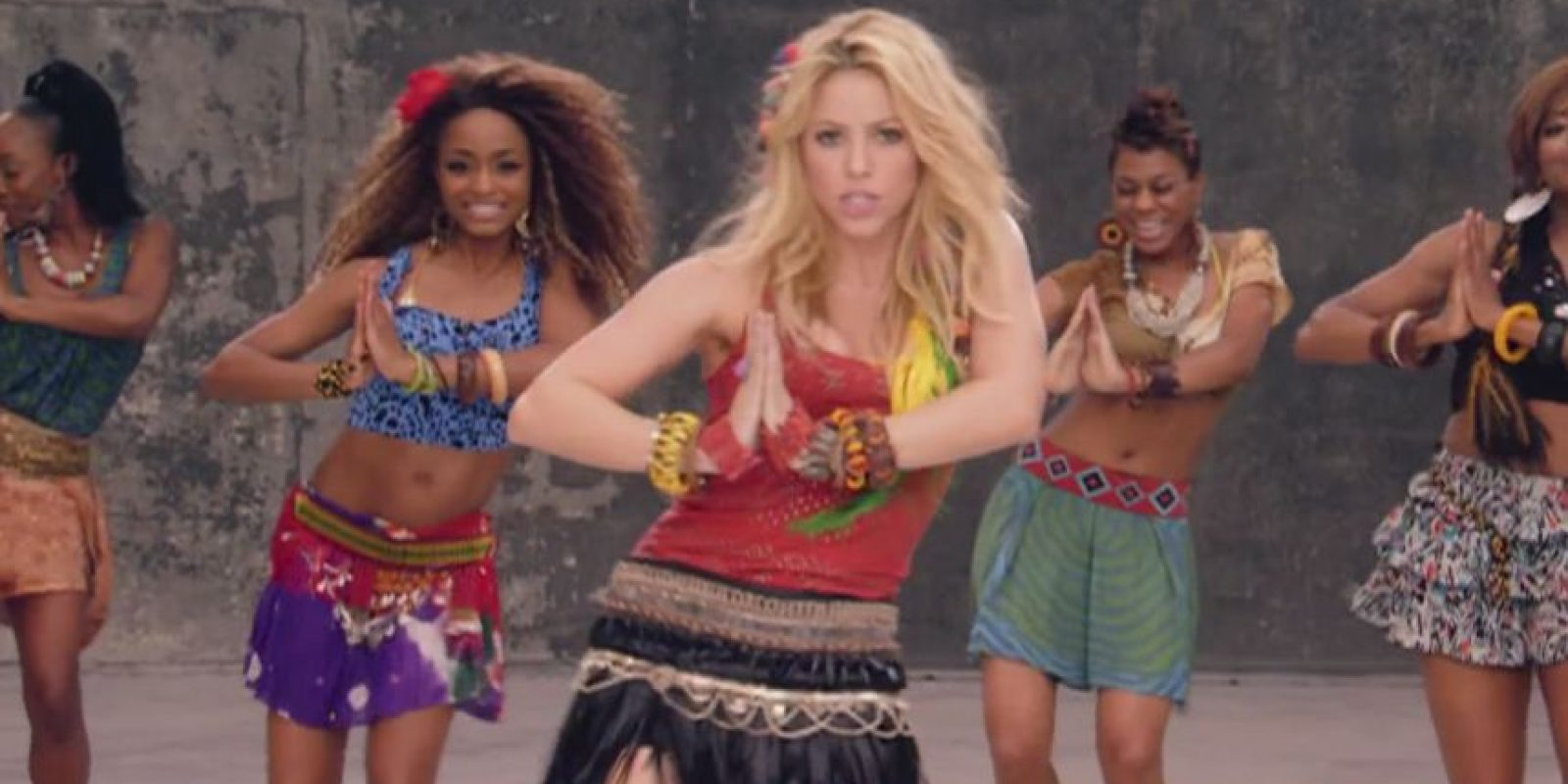 "3. ""Waka Waka"" Foto: Vía youtube.com/user/shakiraVEVO"