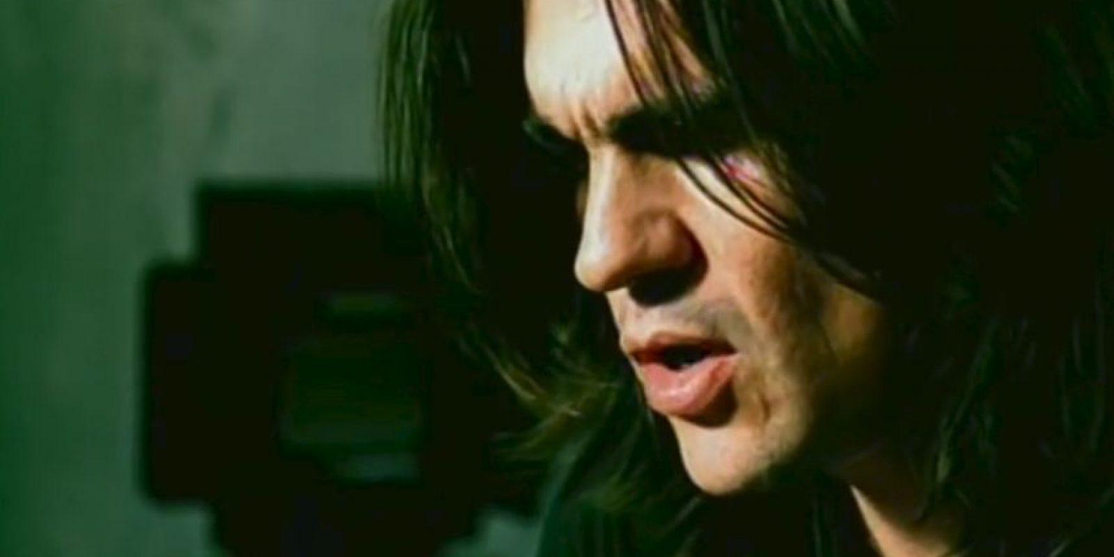Esta romántica melodía es del cantante colombiano Juanes. Foto:Vía youtube.com/user/JuanesVEVO