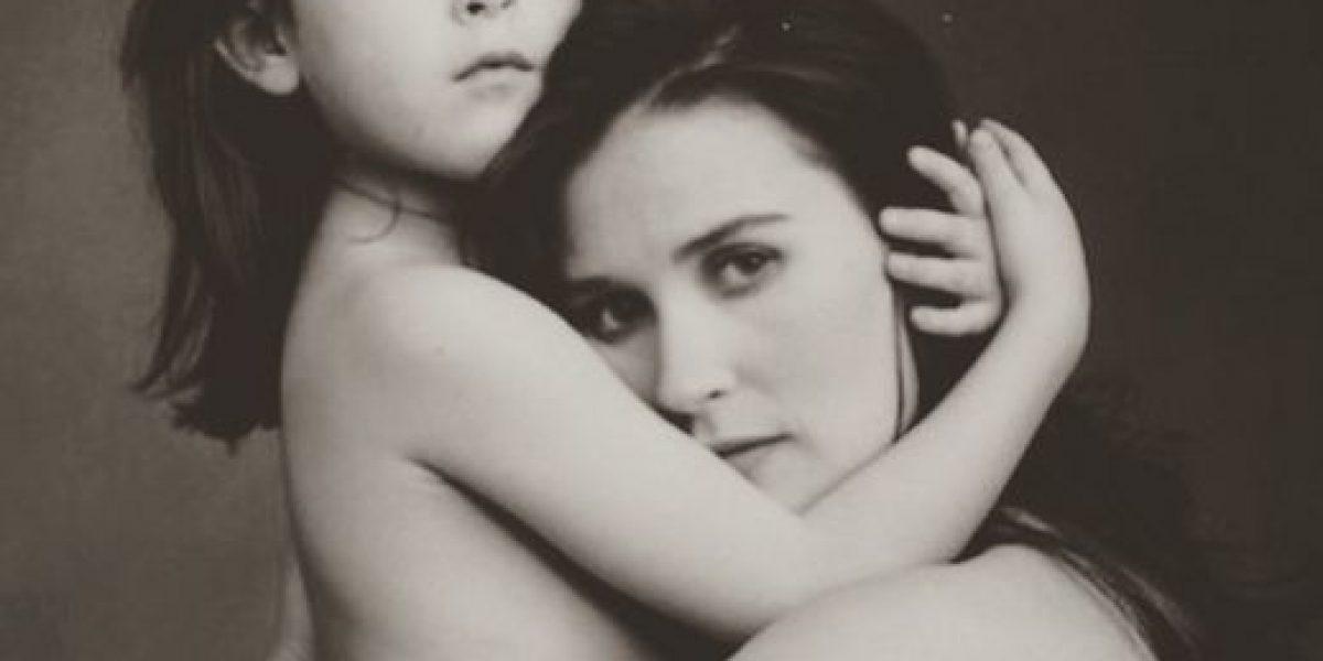 Le dobla la edad sin embargo Demi Moore y su hija parecen gemelas