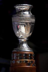 En esta edición, se compró en una joyería de Buenos Aires el trofeo para el ganador, el cual estaba hecho de plata con base de madera y su diseño permitía colocar los escudos de los ganadores. Foto:Getty Images
