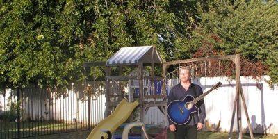 También es músico Foto:vía facebook.com/Tom-Wilson-Comedy