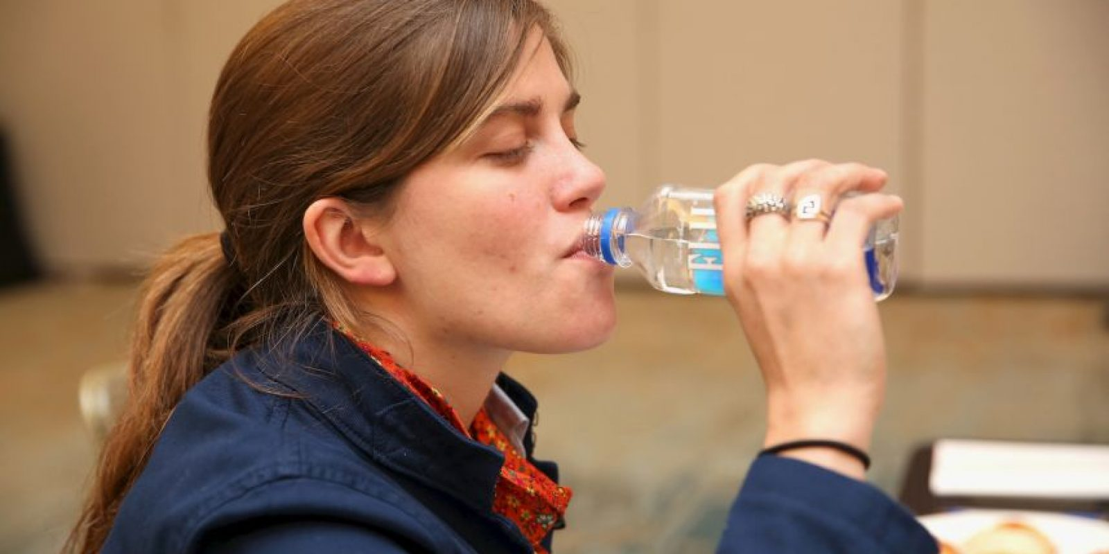 Beber agua en lugar de bebidas azucaradas es la mejor manera de eliminar calorías inútiles de la dieta, ya que no estas bebidas no aportan ningún nutriente, sólo hidratan y la mejor manera de hacerlo es a través del agua. Foto:Getty Images