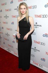 Elizabeth Holmes- La CEO de la compañía Theranos ocupa el puesto 72 y tiene 31 años. Foto:Getty Images