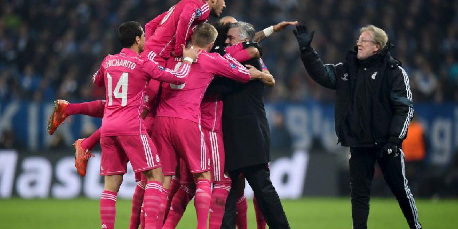 """Florentino Pérez fue quien reconoció este logro del italiano: """"Ancelotti ha logrado que el vestuario sea una familia. Yo nunca había visto tan buen ambiente entre los jugadores. Incluso entre los que compiten por el mismo puesto, cosa que no es fácil en este nivel"""". Foto:Getty Images"""