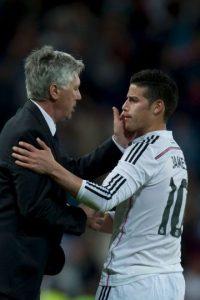 """Para Ancelotti la relación no era sólo profesional, sino con su don de gentes, supo tratar a sus jugadores y acercarse a ellos. Por esta razón, muchos futbolistas merengues lo consideran un """"padre"""" o """"amigo"""". Foto:Getty Images"""