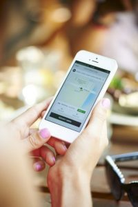 La aplicación está disponible para iPhone y Android. Foto: Uber