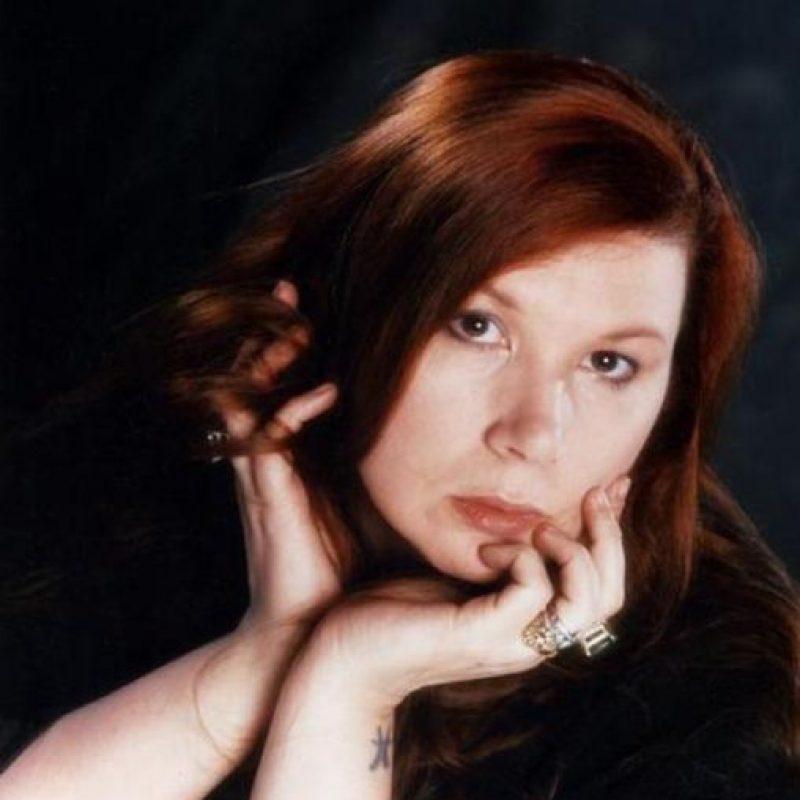 """Fue una de las amantes más famosas de Jim Morrison y se """"casó"""" con él en un rito celta. Le enseñó todos los secretos de la religión Wiccan. Se le acusa de haberle matado con brujería, por despecho. Foto:vía Wikipedia"""