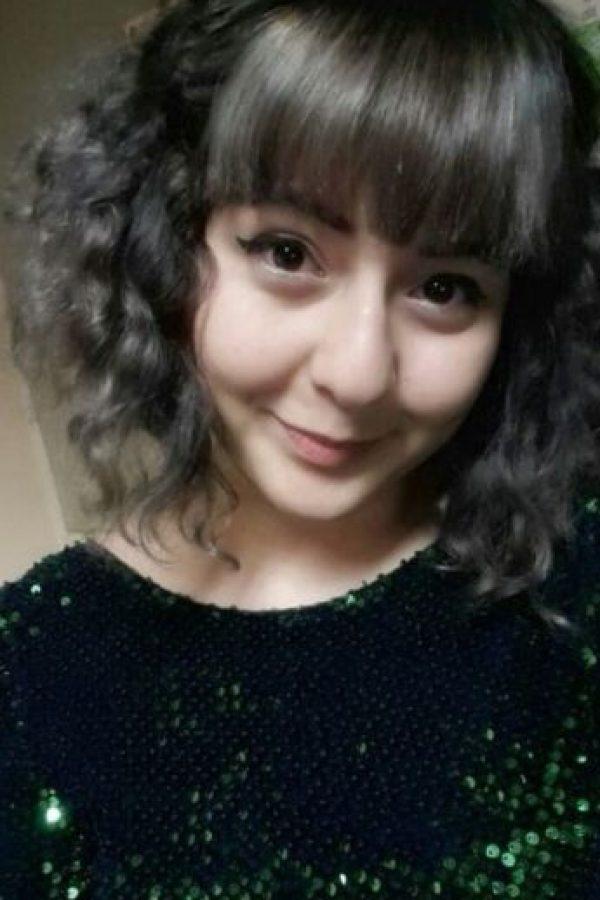Yasmin Gasimova tiene 19 años Foto:Vía facebook.com/INEEDASHITTBH