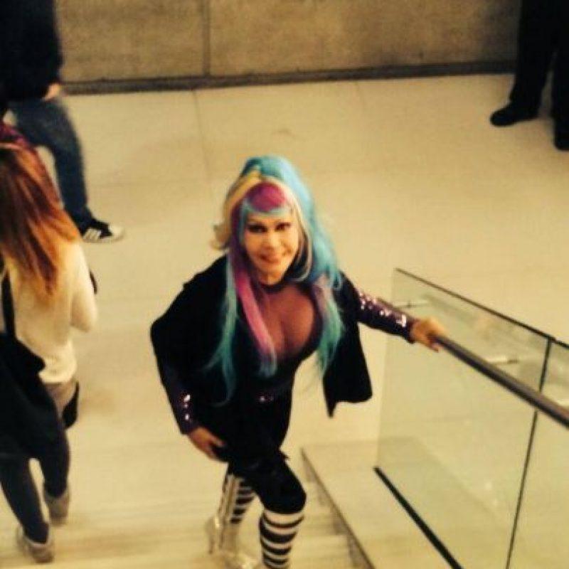 ¿Qué tal usar pelo de colores? Foto:vía Facebook/ La Tigresa del Oriente