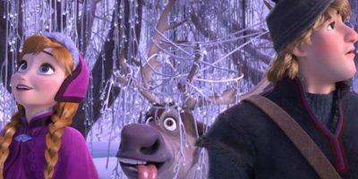 Como Elsa es la mayor usa una trenza, mientras que Anna lleva dos por ser la menor Foto:vía facebook.com/DisneyFrozen