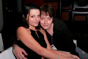 Se terminó casando con Rachel Bella y tuvo un hijo. Se separó de ella en 2009. Foto:vía Getty Images