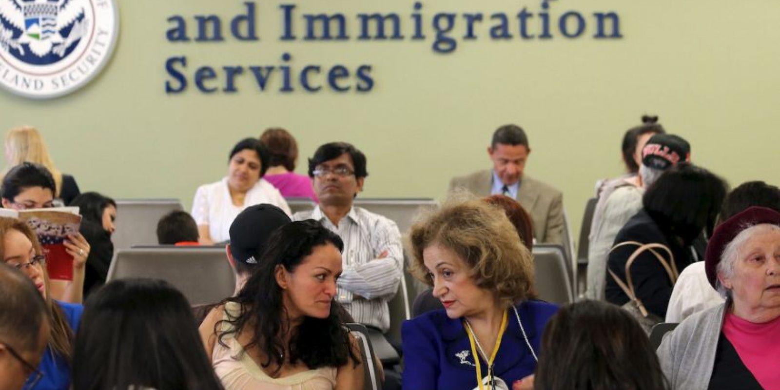 """Es """"un programa de acción diferida para padres de ciudadanos o residentes permanentes de Estados Unidos"""", según el portal """"Inmigración Hoy"""". Foto:Getty Images"""