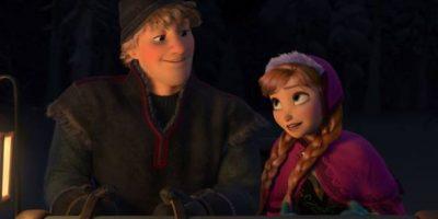 """Los personajes """"Hans"""", """"Kristoff"""", """"Anna"""" y """"Sven"""" llevan ese nombre en honor a Hans Christian Andersen, escritor danés autor de los cuentos """"Patito feo"""" y """"La sirenita"""". (Al nombrar los nombres de estos cuatro personajes juntos parece que se pronuncia el nombre del escritor) Foto:vía facebook.com/DisneyFrozen"""