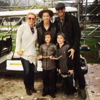 En 2008, los paparazzi captaron el momento en que la cantante fumaba un cigarro enfrente de su hijo, Sean Preston, que en ese entonces tenía dos años. Foto:vía instagram.com/britneyspears