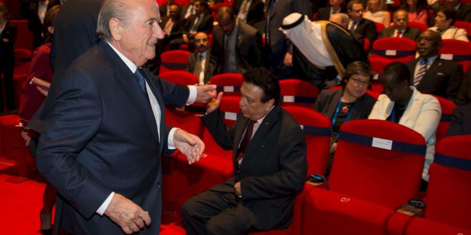 Pero Blatter tiene en sus manos 116 de los 209 votos que se realizarán el 29 de mayo Foto:Getty Images