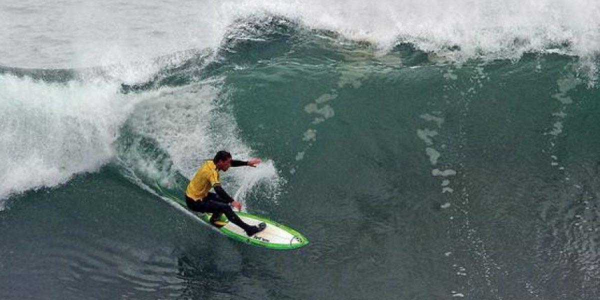 FOTOS: Al ver las olas que atraviesa este surfista morirán de miedo