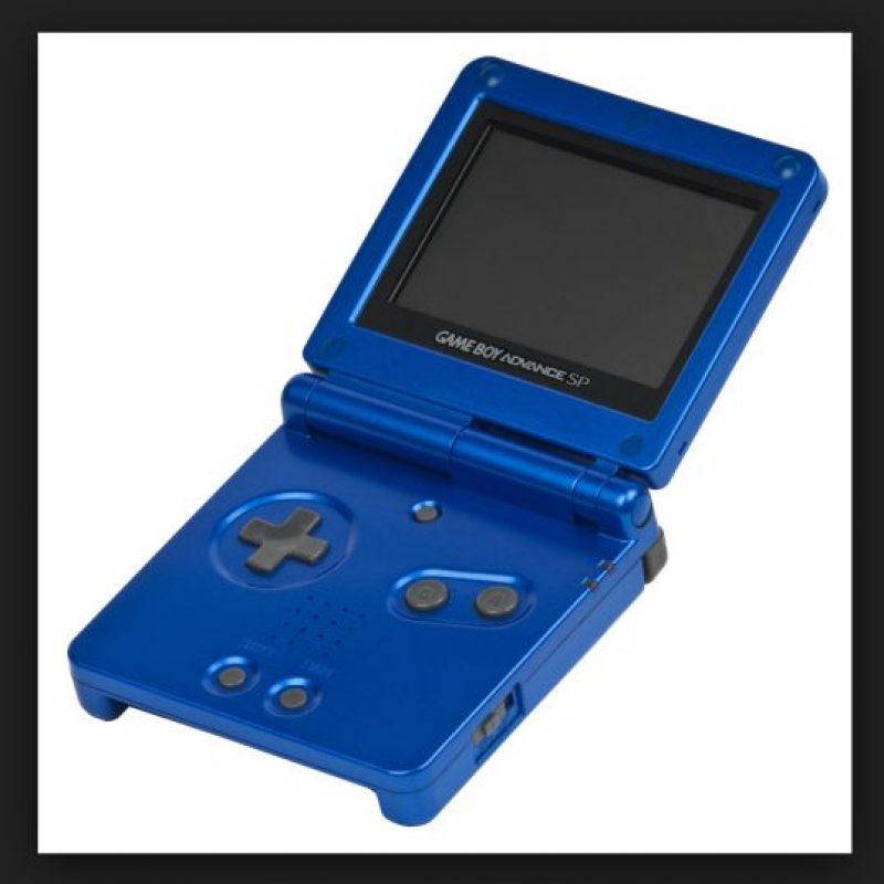 La Game Boy Advance SP básicamente es un rediseño de la Game Boy Advance, ya que su rendimiento es idéntico, al igual que su compatibilidad Foto:Nintendo