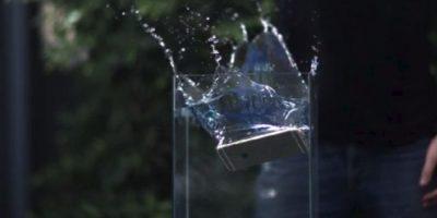 Entre las que destacan sumergirlo en agua por muchos minutos Foto:YouTube/Rated RR