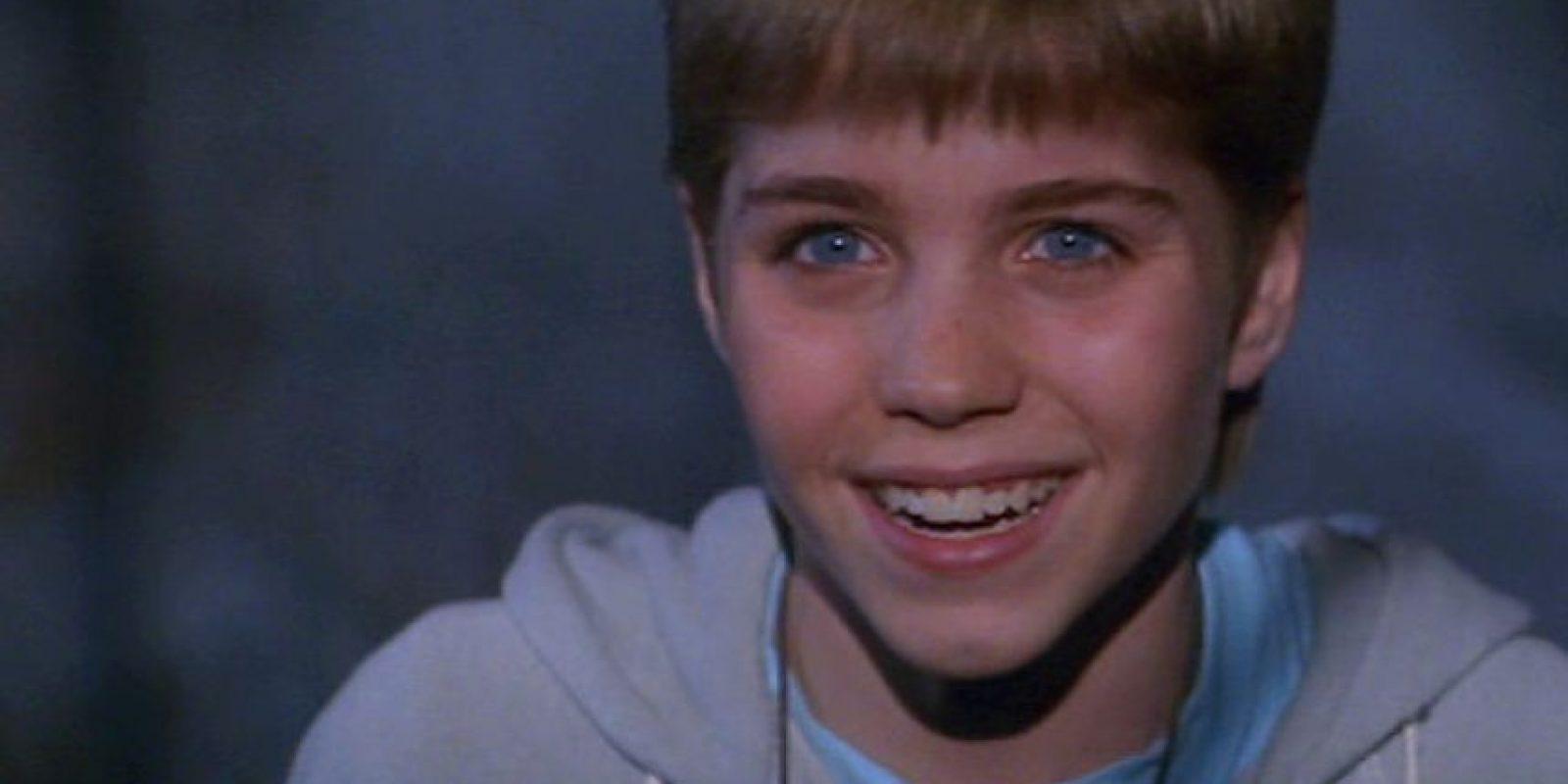 """4. Jonathan Brandis interpretó al famoso """"Bastian Báltasar Box"""" en """"La Historia sin Fin 2"""", en 1990. Tenía 14 años cuando aceptó el papel que le llevó a la fama. Foto:vía Warner Bros"""