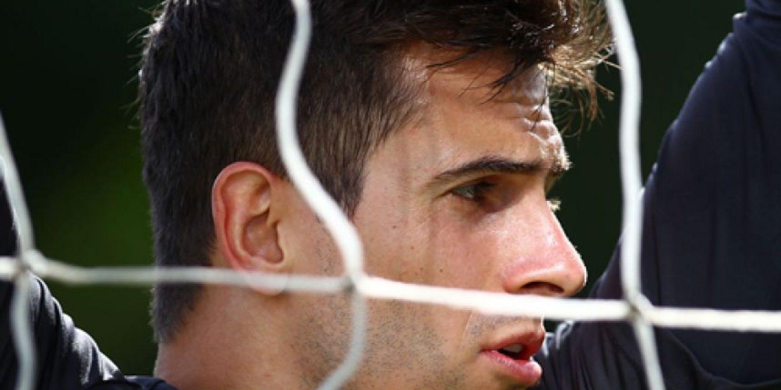 Irá como tercer portero de Brasil, tiene 28 años y juega para el Gremio. Foto:Vía facebook.com/marcelogrohe1oficial