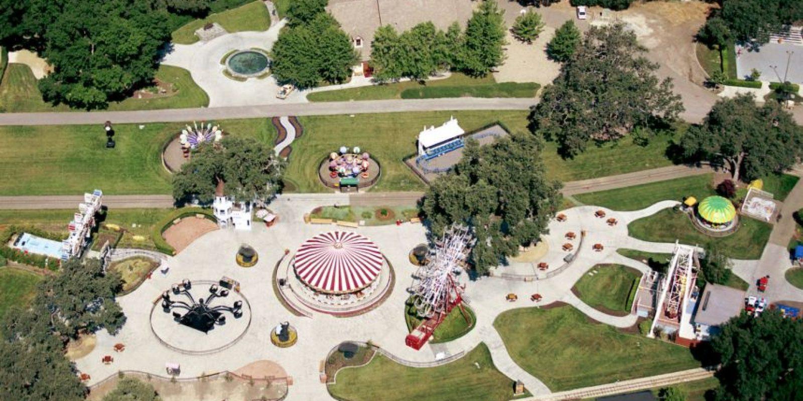 El rancho alberga un parque de diversiones y un mini zoológico. Foto:Getty Images