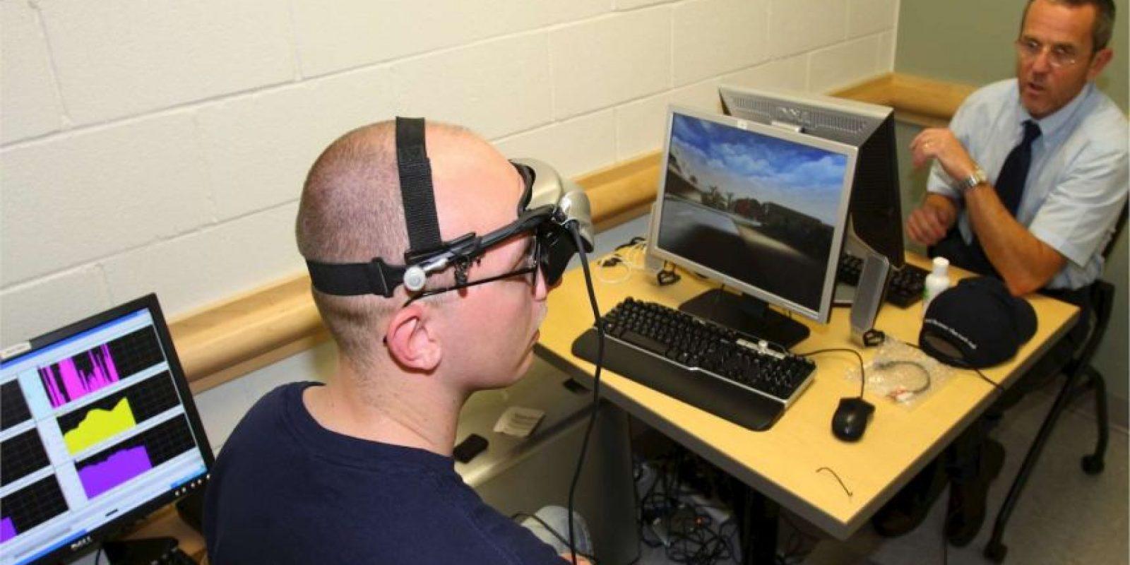 La técnica de hacer la actividad cerebral perceptible a los sentidos (como grabar las ondas cerebrales con un electroencefalograma y presentarles visualmente o de manera unible) para alterarla conscientemente. Foto:Wikimedia.org