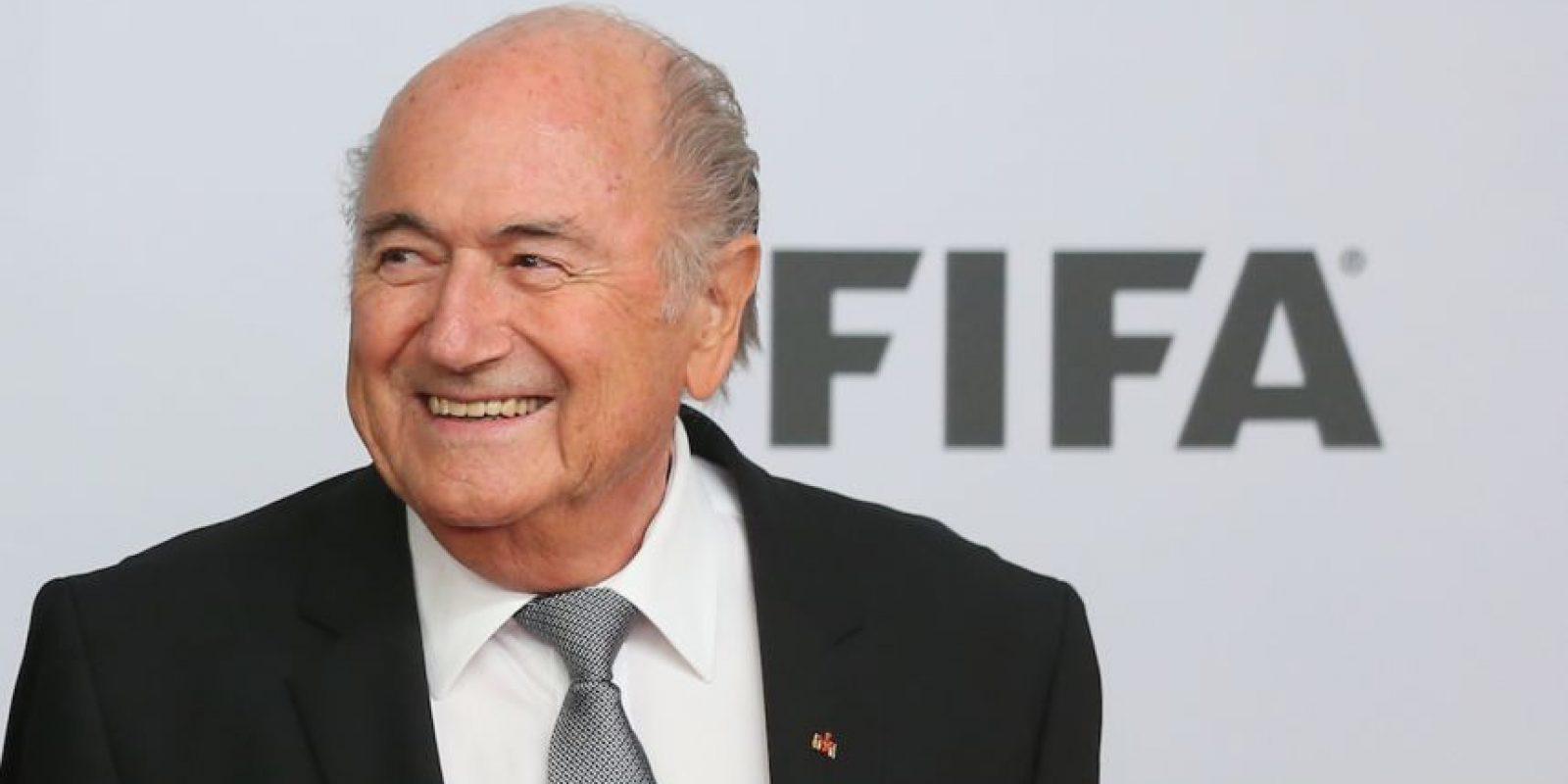"""""""Gracias, me han aceptado por los próximos cuatro años. Estaré al frente de este barco de la FIFA y vamos a llevarlo de vuelta a la costa"""". Foto:Getty Images"""