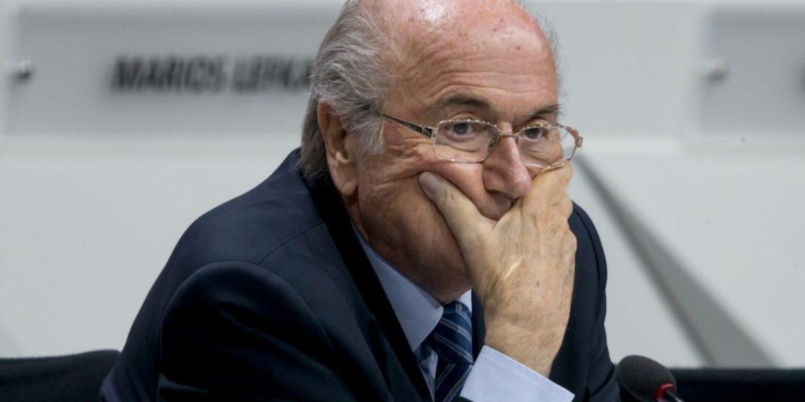Votan 209 asociaciones, divididas en 6 confederaciones. Blatter cuenta con el apoyo de Asia y África. Norteamérica y Sudamérica estaban con el timonel, pero tras el escándalo por corrupción que estalló en los últimos días, ese soporte quedó en duda. Foto:Getty Images