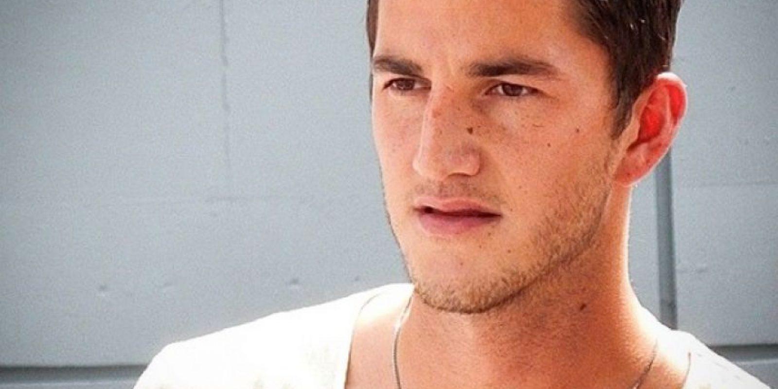 Juega para el Monterrey de México como defensa y tiene 25 años. Foto:Vía instagram.com/hiram_mier21
