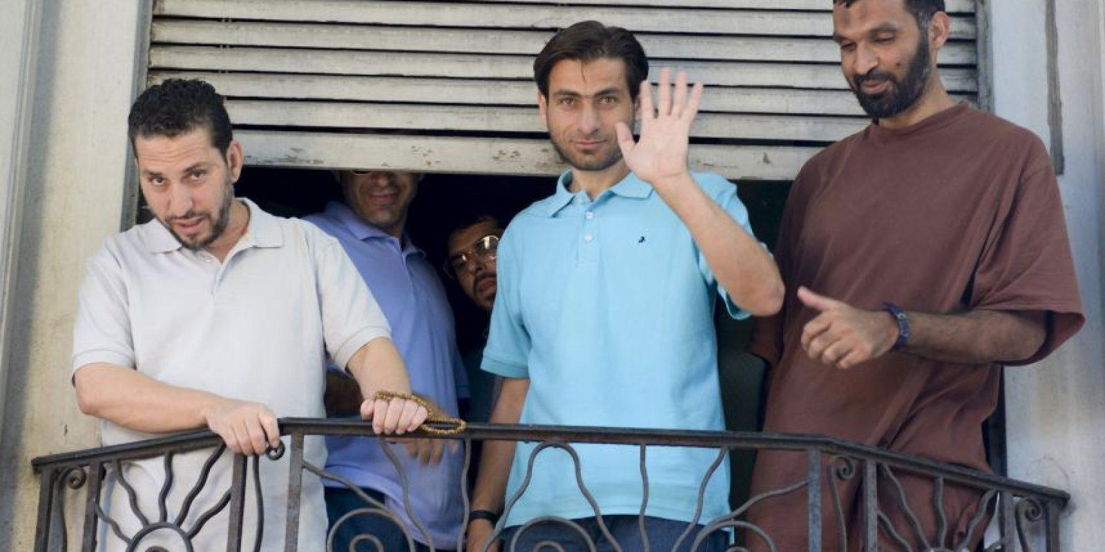 Los seis exreclusos estuvieron encerrados más de 10 años sin juicio en la base cubana, luego de que fueron hechos prisioneros en Pakistán. Foto:AP