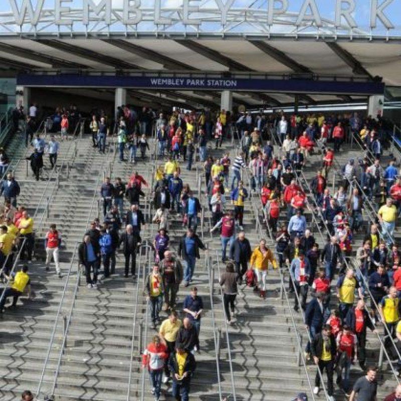 Los aficionados llegaron a Wembley varias horas antes del partido. Foto:Vía twitter.com/arsenal