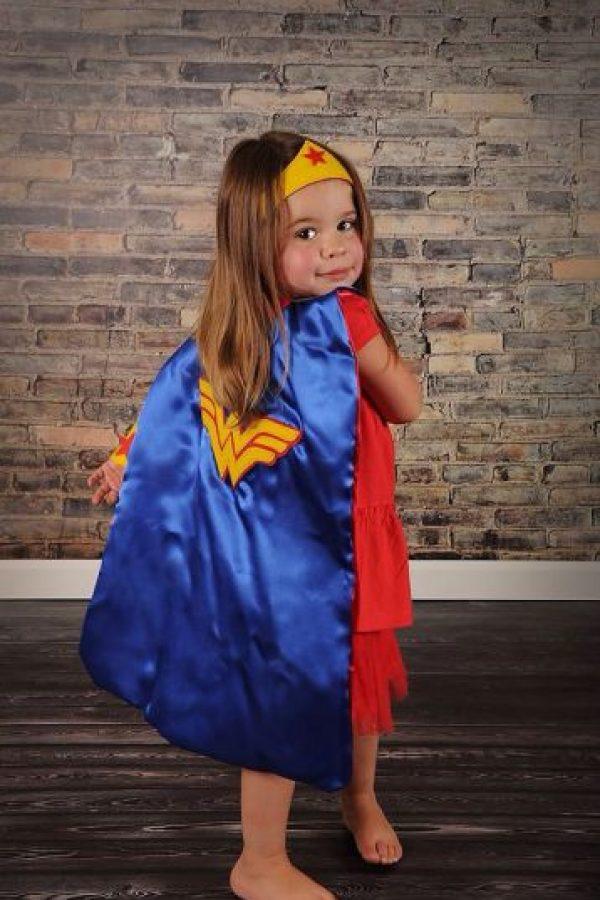 """Como """"La Mujer Maravilla"""". Foto:vía Etsy"""