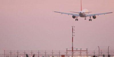 """3. Lo bajaron del avión por ser demasiado """"grande"""". Foto:vía Getty Images"""