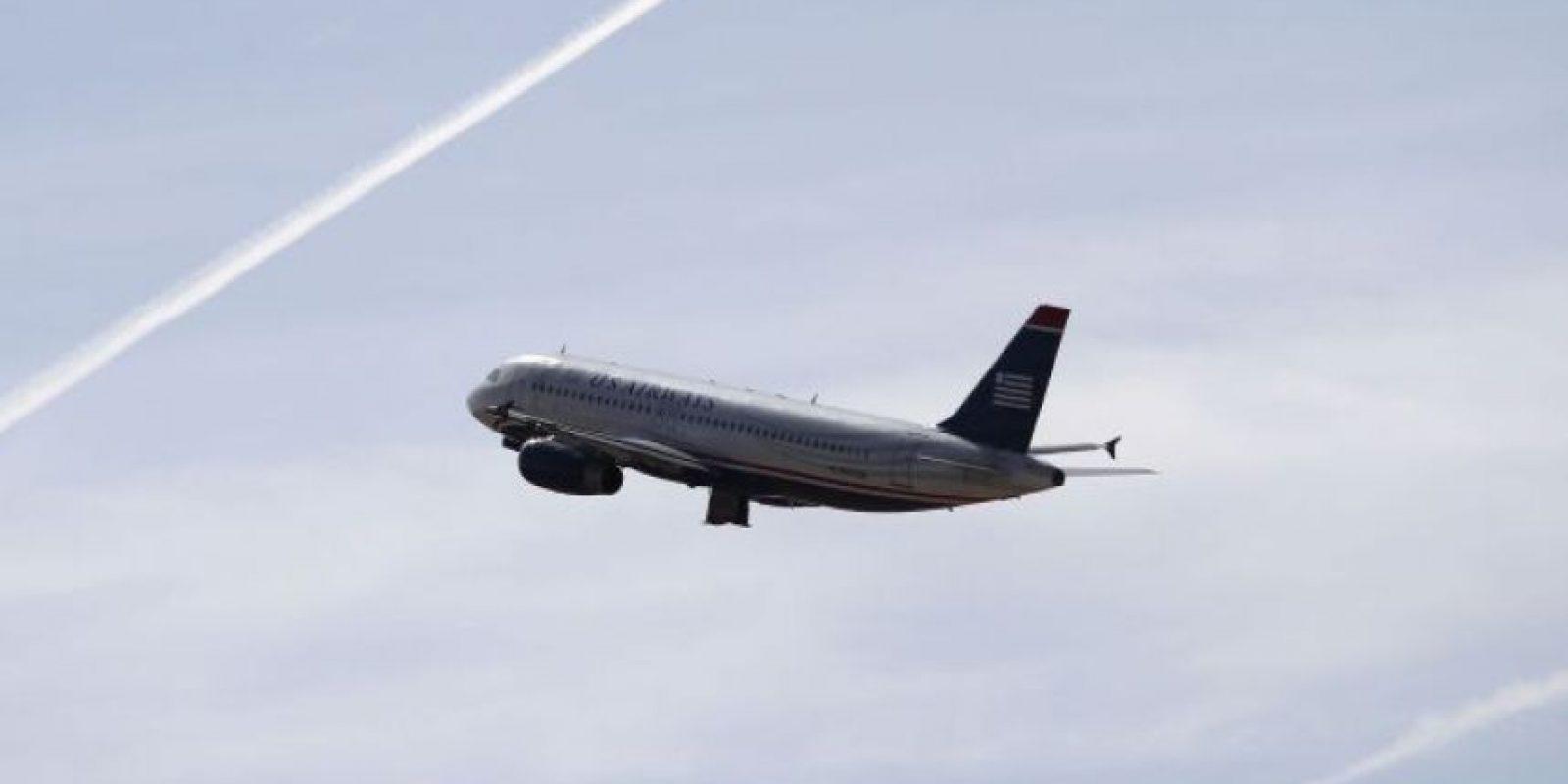 """Un vuelo de United Airlines hizo un aterrizaje de emergencia para """"deshacerse"""" de Juliette Forbes, de 15 años; y su familia, al considerar que la adolescente tenía """"problemas de conducta"""". Foto:vía Getty Images"""
